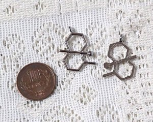 画像2: 化学構造式メタルパーツ/シルバー/ゲオスミン/29×19mm(1個)