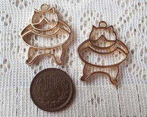 画像2: レジン用カラワク/浮き輪と猫(ハチワレ)/ライトローズゴールド(1個)