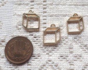 画像2: メタルチャーム/キューブ/ライトゴールド(4個)