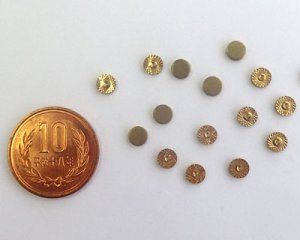 画像2: ヴィンテージ/アメリカ/ブラススタンピング/ダイヤモンドカットラウンド/5mm (4個)