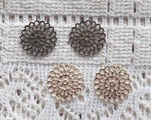 画像1: 鉄製透かしパーツ/レースフラワー(2枚)
